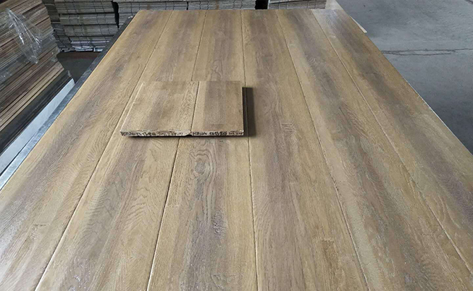 Handscraped Finger Joint Solid Oak Flooring Supplier