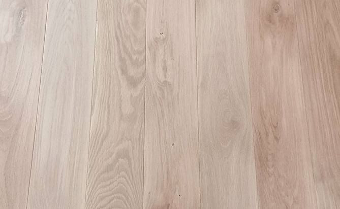Invisible Solid Oak Floor In Fashion
