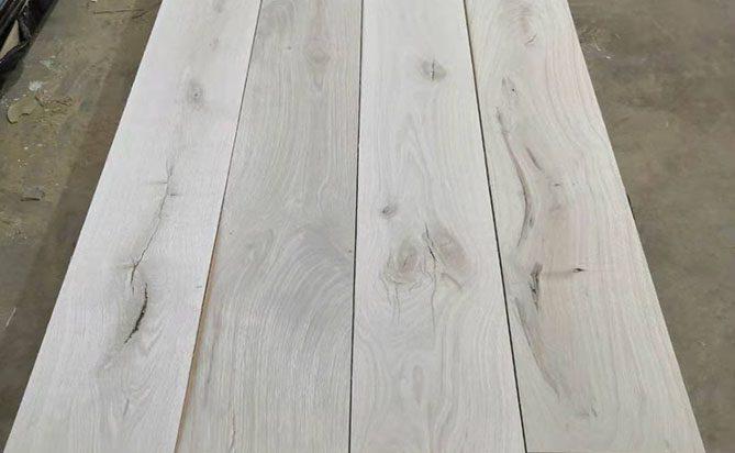 Sawn Cut European Oak Flooring Top Layer